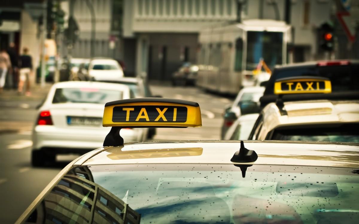 Przegląd taxi Syreny